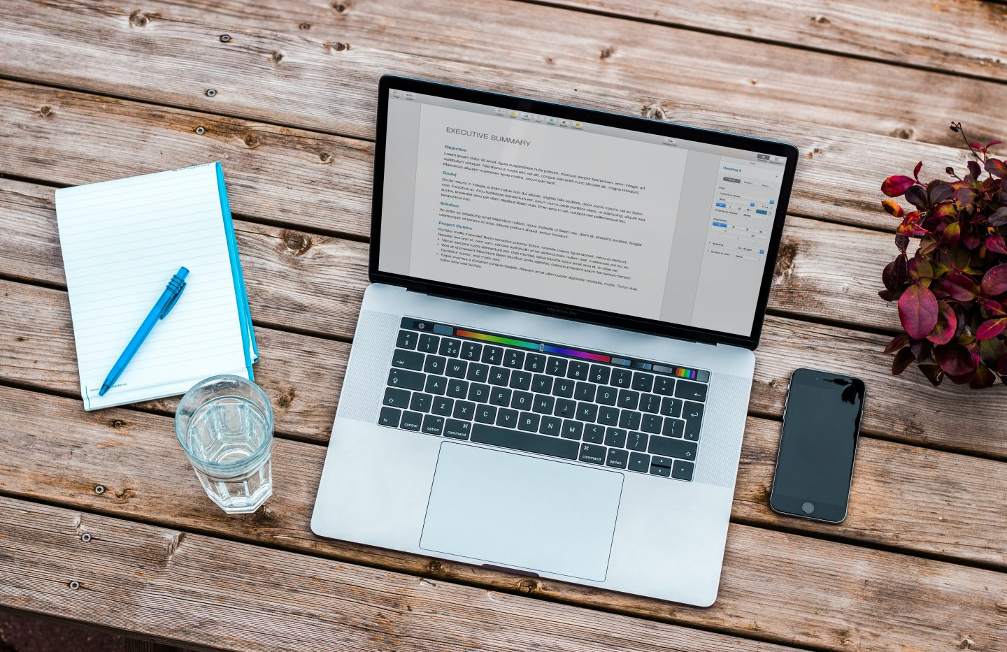 7 Apps All Indie Authors Need to Write a Novel